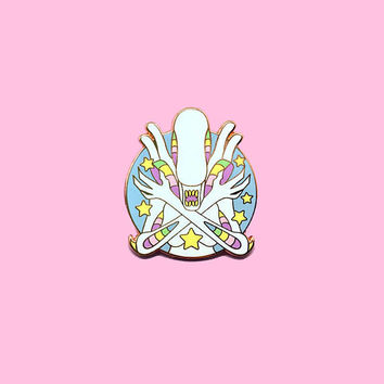 In Space...Nobody Can Hear You Squee - Xenomorph Hard Enamel 35mm Lapel Pin - Pastel White Version V2