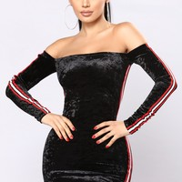 Here Forever Velvet Dress - Black
