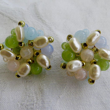 Vintage Clip Earrings, Baroque Pearl Lucite Beads, Pastel Mid Century Cluster Earring, Summer Jewelry