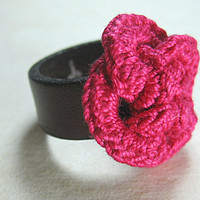 Leather ring with fuchsia interlacing cotton crochet rings flower