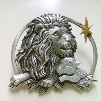 J J Jonette Pewter Brooch Lion & Lamb Peace love pin Biblical Vintage fine Jewelry coat sweater scarf accessory Gift for her Bethlaham Star