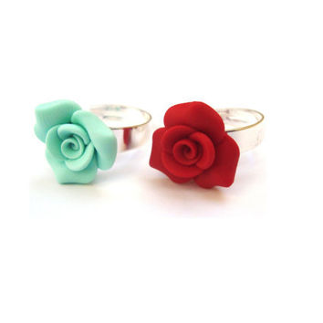 Petite Rose Ring. Flower Ring. Red Rose Ring. by sevdacholakova