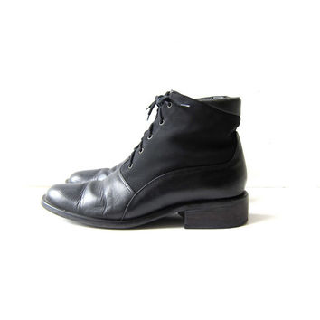 Vintage 80s black leather ankle boots. lace up leather booties. granny boots. 8