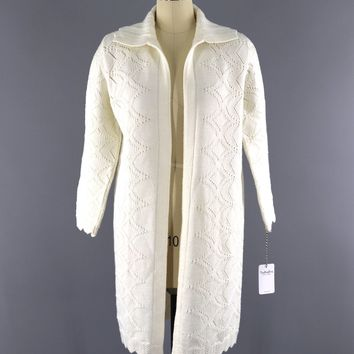 Vintage 1970s Cuddle Knit Cardigan Sweater / Winter White