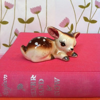 Vintage fawn figurine!! Sweet, little, sleepy, retro, cute, china deer! ReTrO DeCoR!