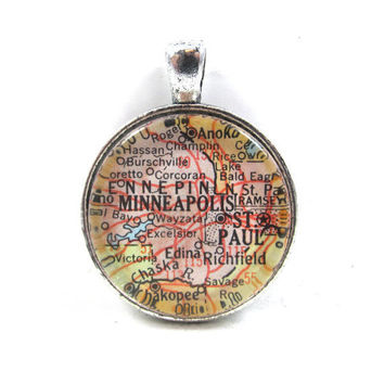 Vintage Map Pendant of Minneapolis St. Paul, Minnesota, in Glass Tile Circle