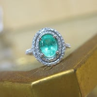 Vintage Antique Timeless Classic Oval 1.50ct Emerald & Diamond Halo Delicate Royal Engagement Ring