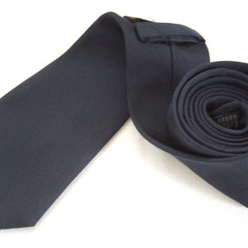 Boggi pure silk navy blue tie - Italian tie - Italian high fashion - Unicolor tie - Classic tie - Mens wear - Casual accessory