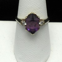 Vintage 10K Yellow Gold Genuine Purple Amethyst Diamond Ring Size 7.25 Signed