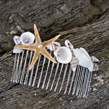 Beach Wedding Comb, Seashell Starfish Pearls, wedding accessory, bridal headpiece, Mermaid Hair Accessories, Beach jewelry