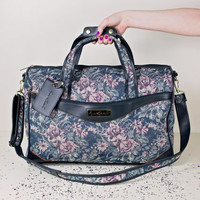 vintage floral weekender bag / large floral duffle bag / floral tapestry suitcase carry on luggage