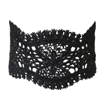 Antebellum Crochet Choker in Black
