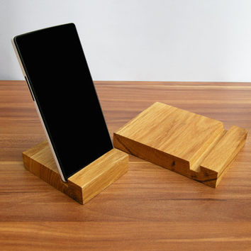 iPad and iPhone stand. 1 x Wooden iPad Stand. 1 x Wooden iPhone stand. Oak iPad Dock. iPhone wood stand.