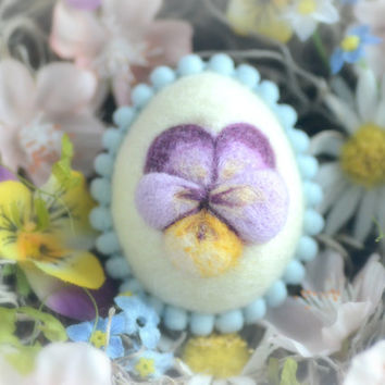 Needle felt Easter egg, spring Easter ornament, pastel yellow color wool fiber egg, spring pansy motif, gift under 20