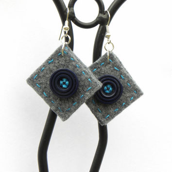 Button square earrings 6, felt, hand-sewn earrings, buttons, unique, light, grey, blue, dark blue, blue earrings, grey felt