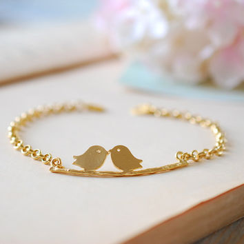 Gold Birds Branch Bracelet. Love Birds Kissing Birds Bracelet. Lovers Bracelet, Personalized Initial, Gift for Mom, Sisters, Friends
