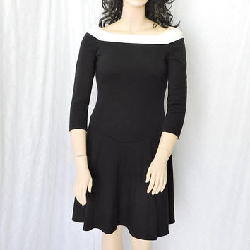 Black Classic Dress / size  12 / 14 / Jackie O Style black full skirt knit dress / 60s style black dress  USA made