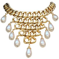 Chanel iconic necklace composed of gilded metal and pearly tear-drops