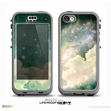 The Cloudy Grunge Green Universe Skin for the iPhone 5c nüüd LifeProof Case