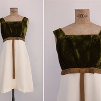 1960s Dress - Vintage 60s Green Velvet & Cream Shift Dress - Feeling Fine Dress
