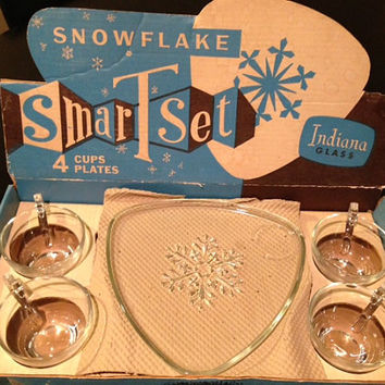 Snowflake Cut Glass Snack Set 1950's Retro Vintage