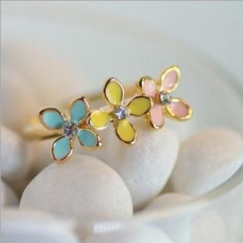 Simply Sweet Tricolor Four-Leaf Clover Ring