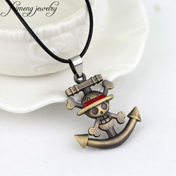 *feimeng jewelry Japanese Anime One Piece Necklace Pirate Luffy Anchor Skull Logo Pendant Necklace Fashion Cosplay Accessories