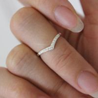 Sterling Silver CZ chevron toe ring, chevron midi ring, gold toe ring, rose gold toe ring, simple, thin ring, cz diamond toe ring