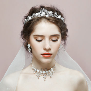 2017 Romantic Wedding Jewelry Sets Women Party Engagement Crown Necklace Earrings Set Princess Bridal Tiara Rhinestone Jewelry