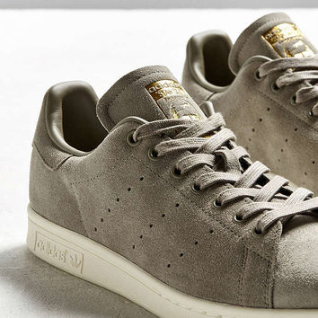 adidas Stan Smith Suede Sneaker - Urban Outfitters