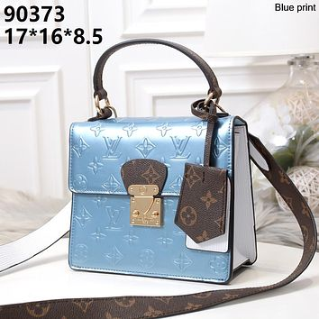 LV 2019 new women's fashion versatile shoulder bag shoulder bag Messenger bag blue