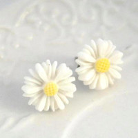 Daisy Ear Studs, Summer post earrings, Daisies flower post  Ear studs ,Flower Ear studs, Wedding, Maids Gifts