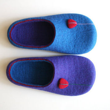 Right or Left / Wool felted slipper