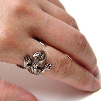 Lizard Ring lizard body wrap around finger by chinookhugs on Etsy