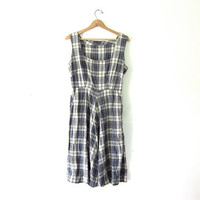 Vintage plaid dress. House day dress. pocket dress.