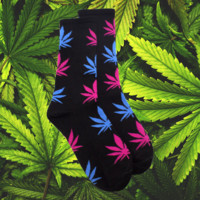 HighWalker Weed Socks - Black Socks Blue Pink Leaves
