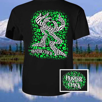 Country Life Outfitters Hunter Chick Black & Green Cheetah Deer Head Hunt Vintage Bright T Shirt