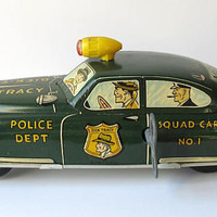VINTAGE - 1949 Dick Tracy Police Squad Car - Mar Toys - Collectibles