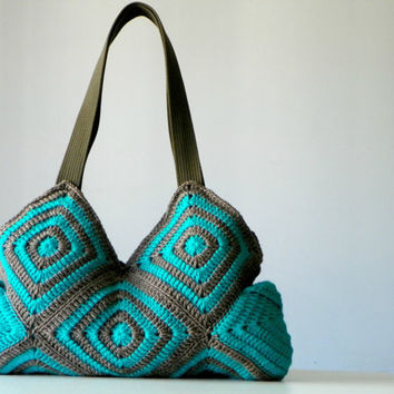 Crochet handbag, fall autumn fashion, Stripet granny square crochet Bag, New Four Season Crochet bag - Shoulder Bag, christmas gift idea