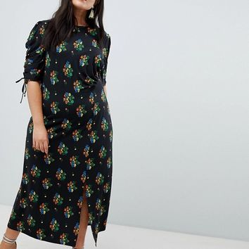 ASOS DESIGN Curve city maxi tea dress with split in black floral at asos.com