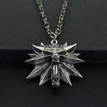 2017 New The Witcher 3 Wild Hunt Medallion Chain Silver WOLF Head Pendant Necklace Free Shipping