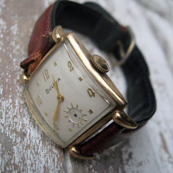 Vintage Bulova watch, tank style in working condition, beautiful style for man or woman