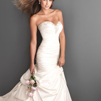 Hot sale soft satin sweetheart wedding dresses 2016 stock, mermaid bridal dress, ball gown w sparkling crystals & pick ups