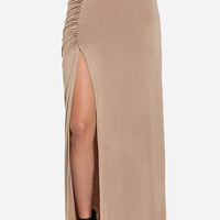 DailyLook: Ruched Side Slit Maxi Skirt