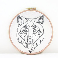 Wolf embroidery wall hanging, hand embroidery wolf head embroidery hoop, 6 inch hoop, handmade in the UK