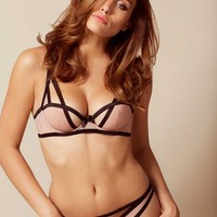 Joan Bra Nude And Black