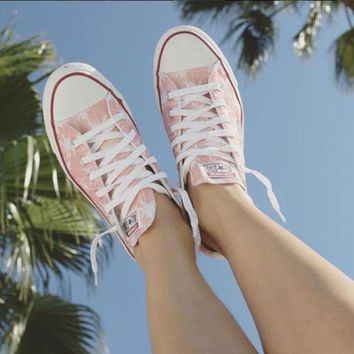 DCKL9 When In Doubt Vacation Converse Low Top