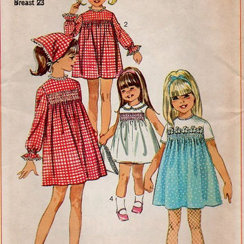 Simplicity Retro 60s Sewing Pattern Toddler Girls Dress Play Party Dress Smocked Neckline