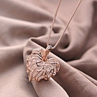 Hollow Rhinestone Foliage Necklace