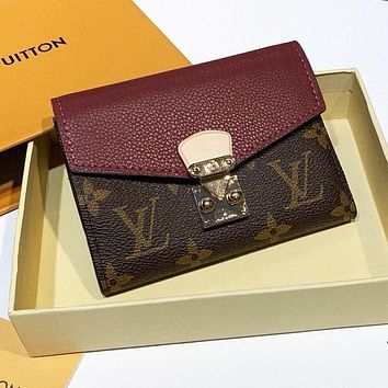 LV Louis Vuitton High Quality Women Leather Buckle Purse Wallet